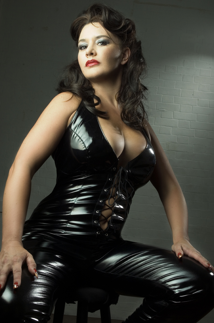 London Domina ~ come hither slave